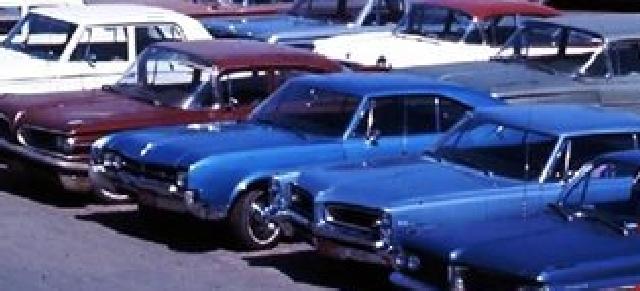 Identifiez le plus de (vieilles) voitures. Olds10