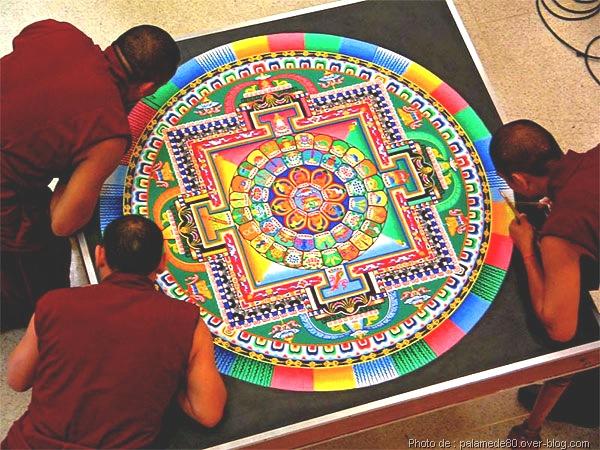 LE MANDALA EST SA RÉSONANCE PHYSIQUE Tibeta10