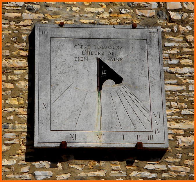 Indre (36) Châteauroux / Fontaines et cadran solaire 218