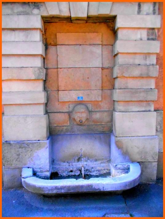 Puy de Dôme (63) Aigueperse / Fontaines et lavoir Aiguep13