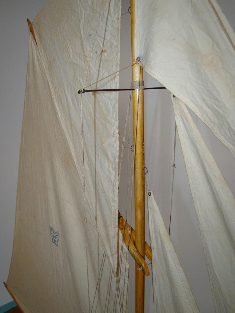 Aide et assistance: un voilier de 65 cm de long. - Page 2 Nova_112