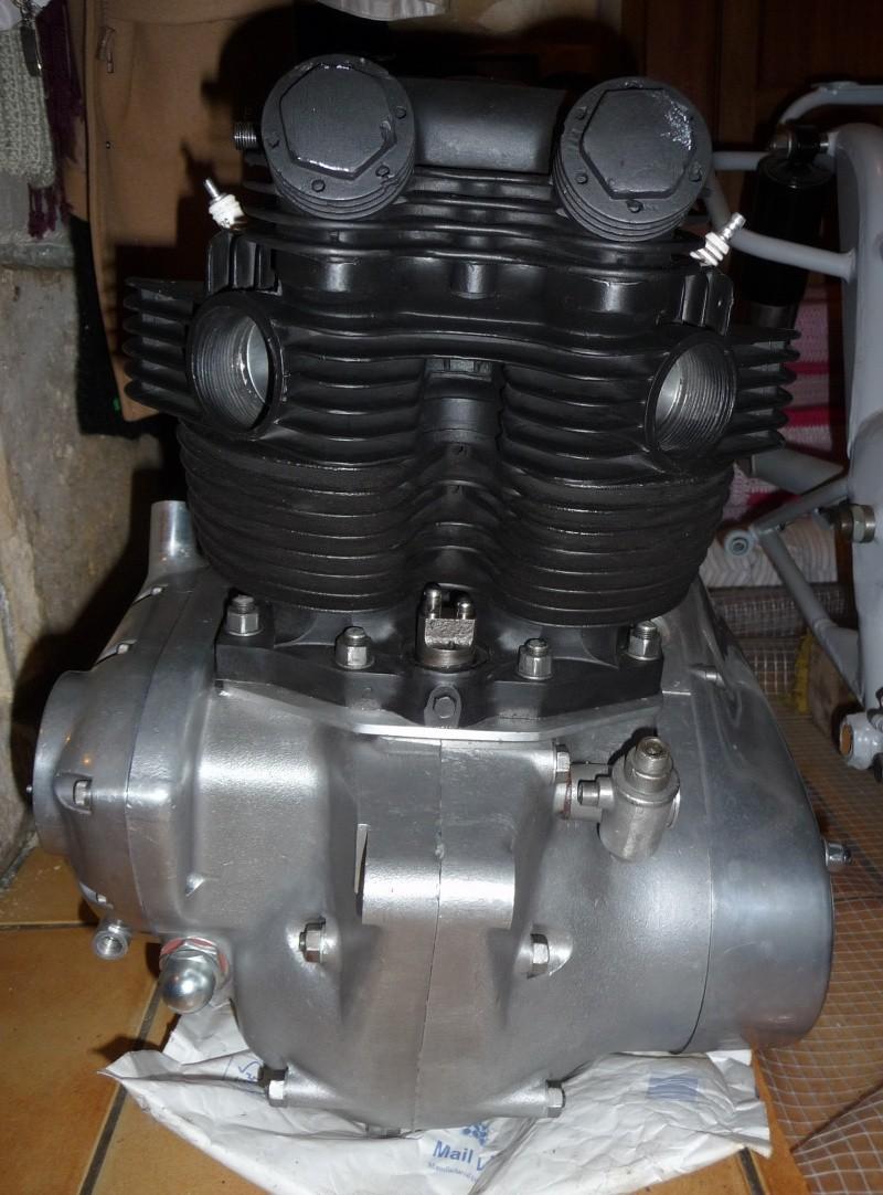 Deux cylindres ,trois roues - Page 4 P1140433