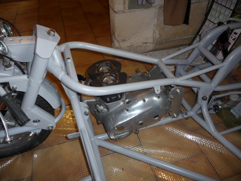 Deux cylindres ,trois roues - Page 4 P1140437