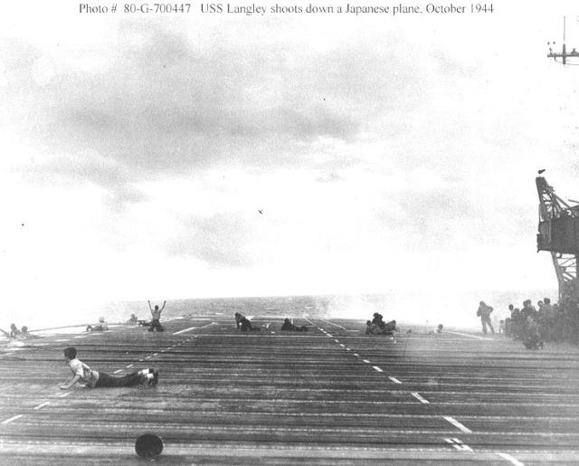 [Les anciens avions de l'aéro] F4 U7 Corsair - Page 2 Laf10