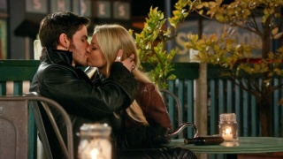 Top des couples de séries TV - Page 5 Maxres10