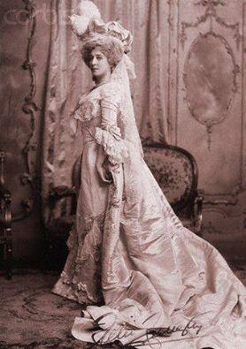 Sarah Bernhardt en Marie-Antoinette - Page 2 13435310