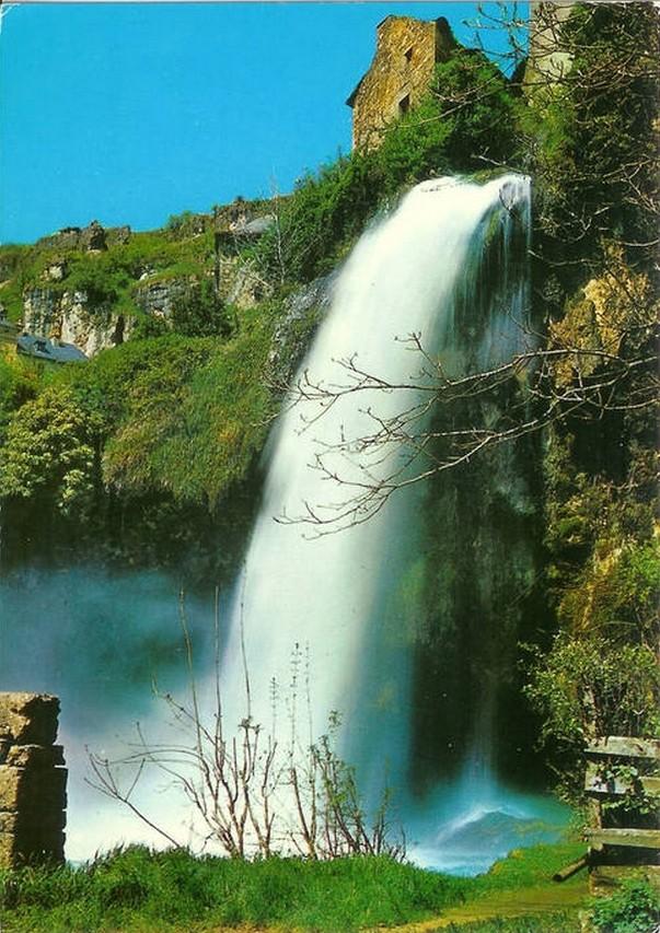 Salle-la-Source ( La guerre de l'eau fait rage à Salles-la-Source, en plein cœur de l'Aveyron) Salles10