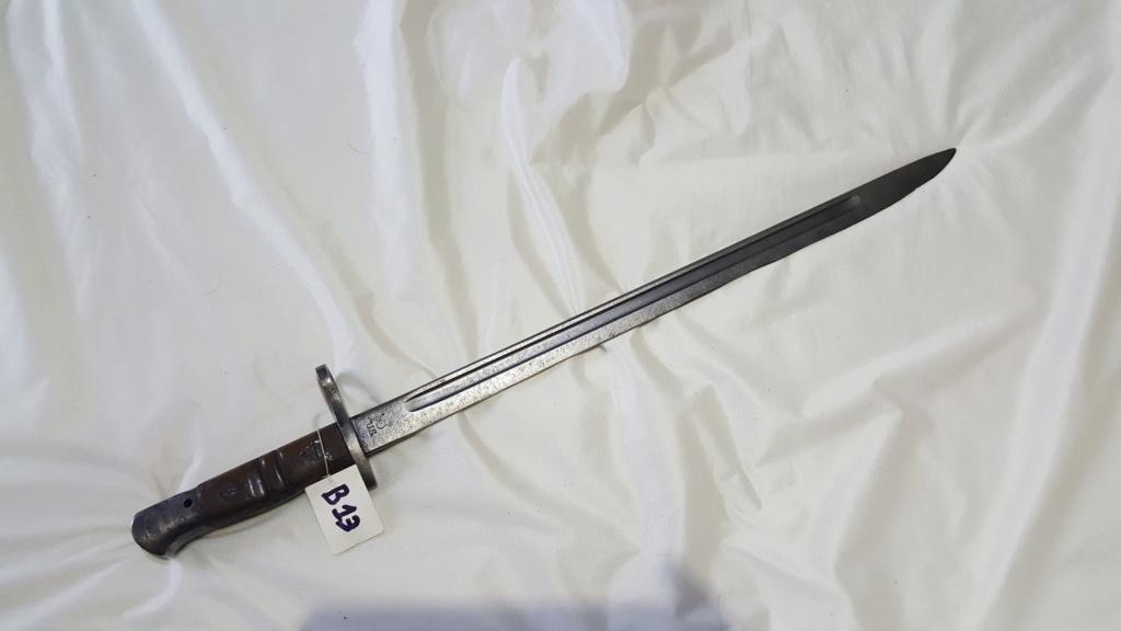 [IDENTIFICATION] Dagues, baïonnettes & couteaux à identifier   B1310