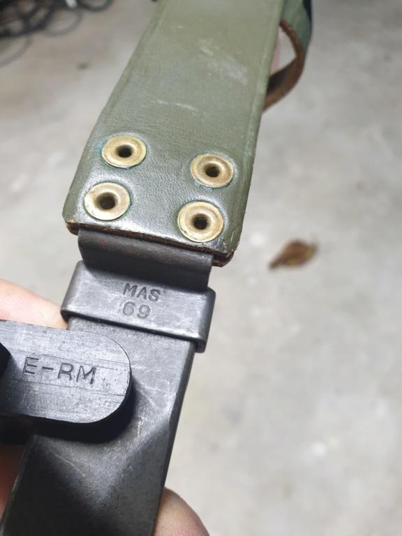 [IDENTIFICATION] Dagues, baïonnettes & couteaux à identifier   B20-c10