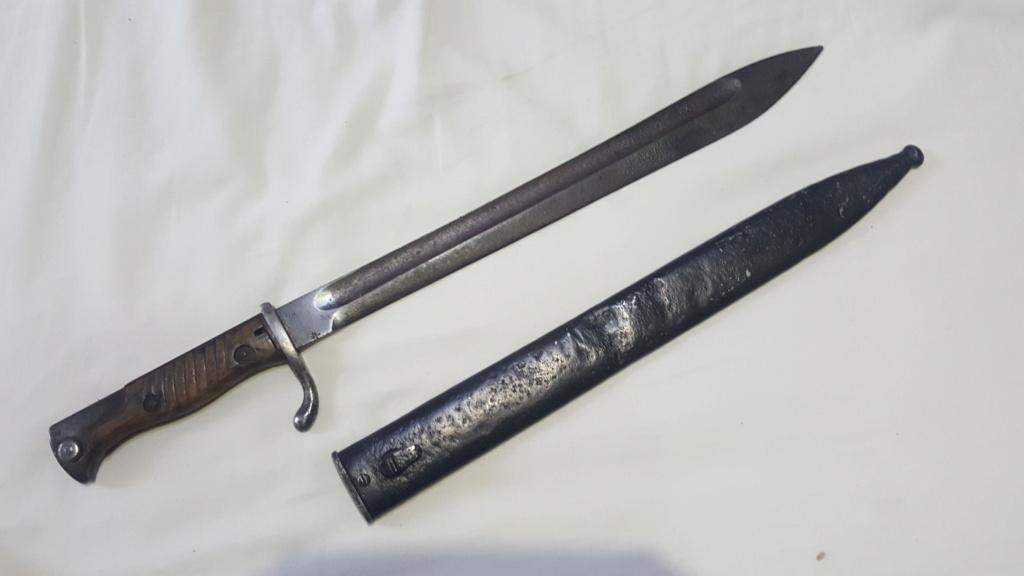 [IDENTIFICATION] Dagues, baïonnettes & couteaux à identifier   B_b12