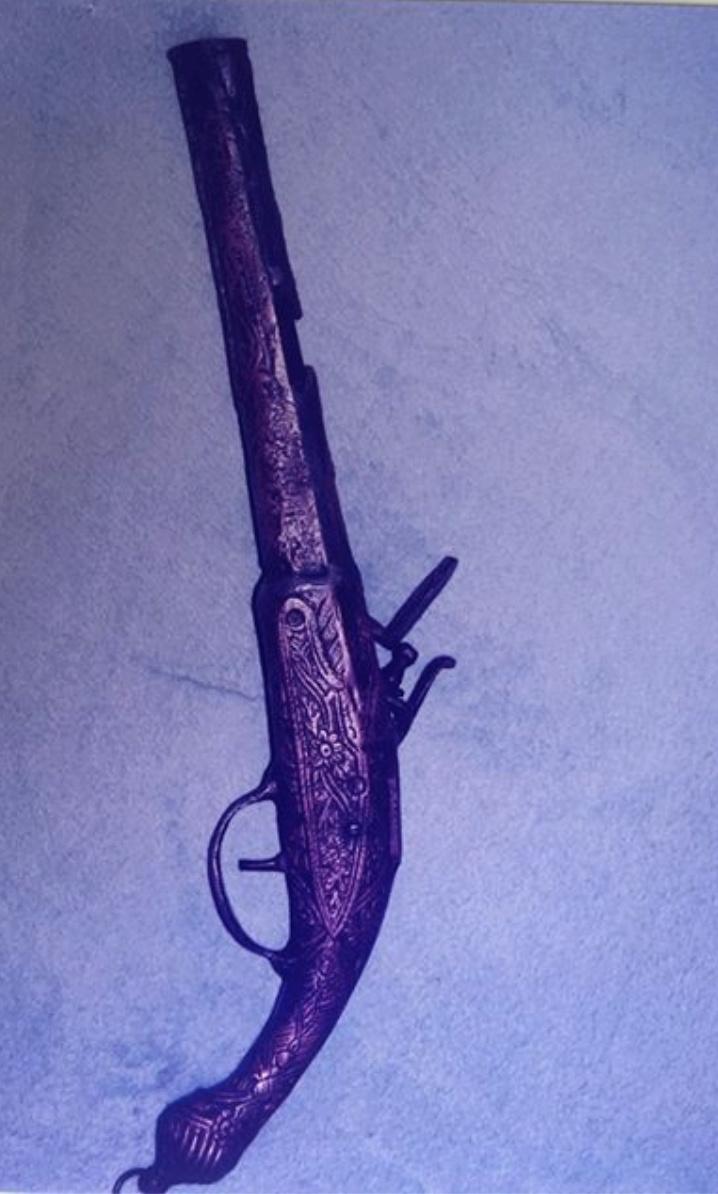 Pistolet XVIe ? XVIIe ? XVIII ? Captur16