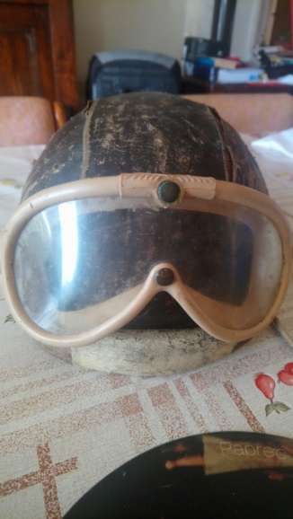 Casque cuir - pilote années 1930 Dsc_0211