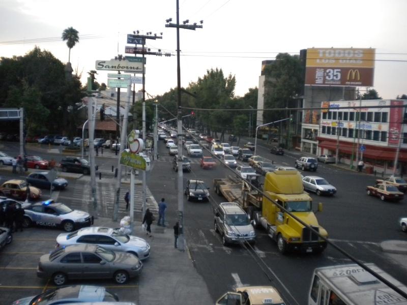 Anaya Arenzana Mariana: Movilidad cotidiana e Inmovilidad:  la Ciudad de México desde sus trayectos automovilísticos 410