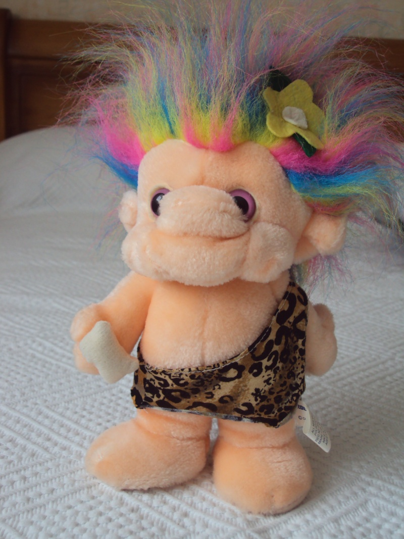 Peluches troll fête foraine, marque Trolio Dsc01010
