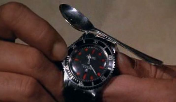 Scoop MM, James Bond ne porte pas de NATO! Fqvf10