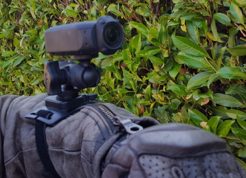 Fixation camera sur parebrise et modèles de caméra - Page 2 Cam-po11