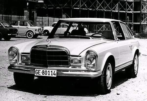 Qui connait ce modèle de Mercedes ! 230slx11