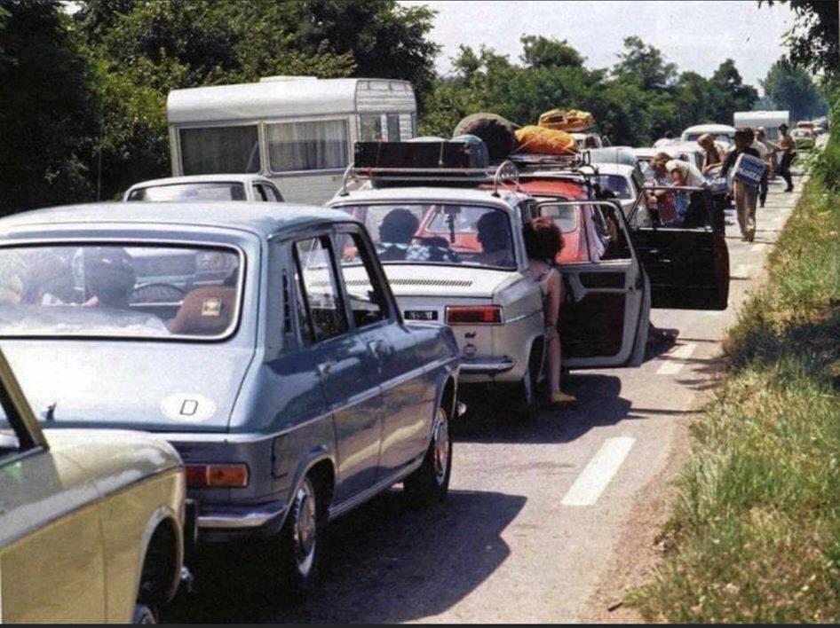 Des photos d'époque de Concessions Mercedes-Benz partie 1 - Page 15 P10610