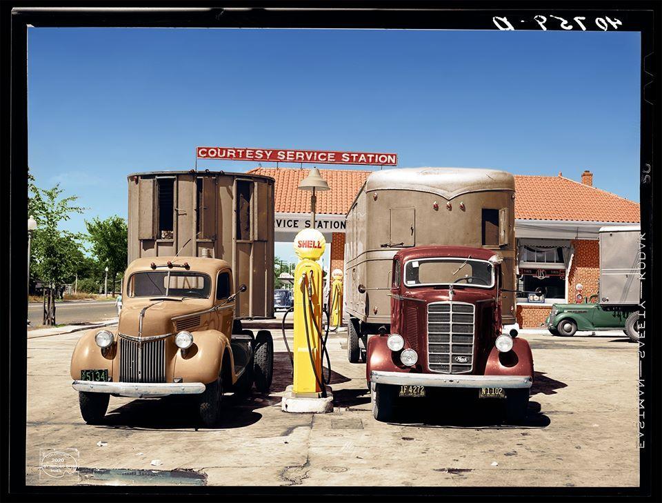 Des photos d'époque de Concessions Mercedes-Benz partie 1 - Page 26 P32710