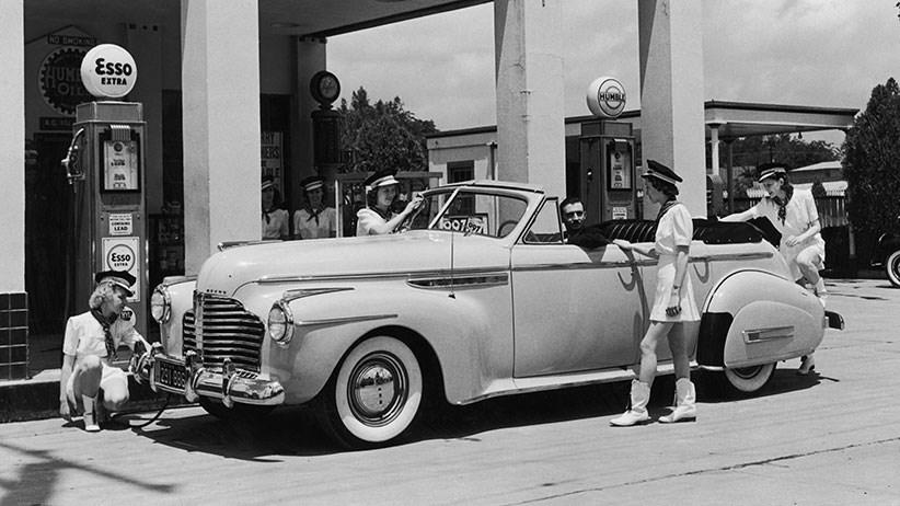 Des photos d'époque de Concessions Mercedes-Benz partie 1 - Page 26 P32810