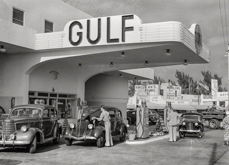 Des photos d'époque de Concessions Mercedes-Benz partie 1 - Page 26 P32910
