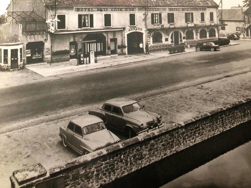 Des photos d'époque de Concessions Mercedes-Benz - Page 27 P33510