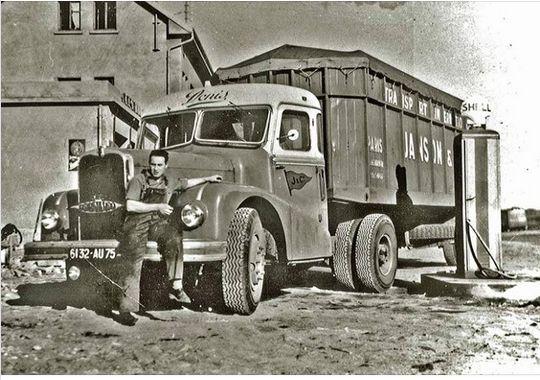 Des photos d'époque de Concessions Mercedes-Benz - Page 27 P33710