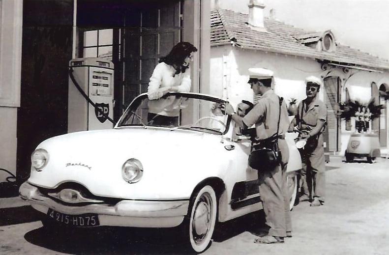 Des photos d'époque de Concessions Mercedes-Benz partie 1 - Page 28 P34610