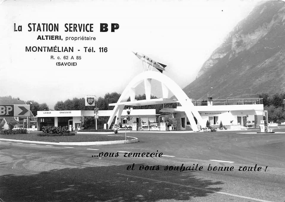 Des photos d'époque de Concessions Mercedes-Benz partie 1 - Page 28 P36010