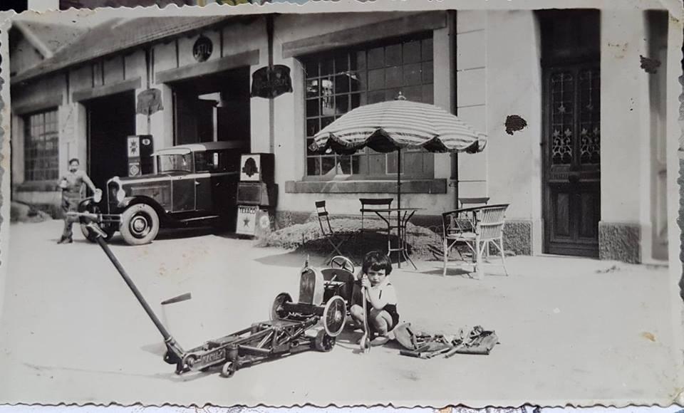 Des photos d'époque de Concessions Mercedes-Benz partie 1 - Page 28 P36210