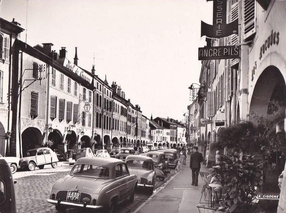Des photos d'époque de Concessions Mercedes-Benz partie 1 - Page 34 P47210