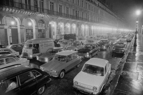 Des photos d'époque de Concessions Mercedes-Benz partie 1 - Page 34 P48510