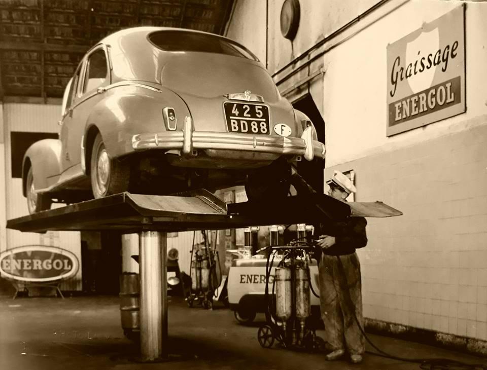 Des photos d'époque de Concessions Mercedes-Benz partie 1 - Page 15 P8110