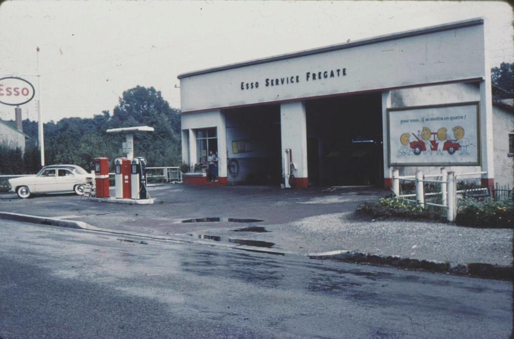 Des photos d'époque de Concessions Mercedes-Benz partie 1 - Page 15 P8610