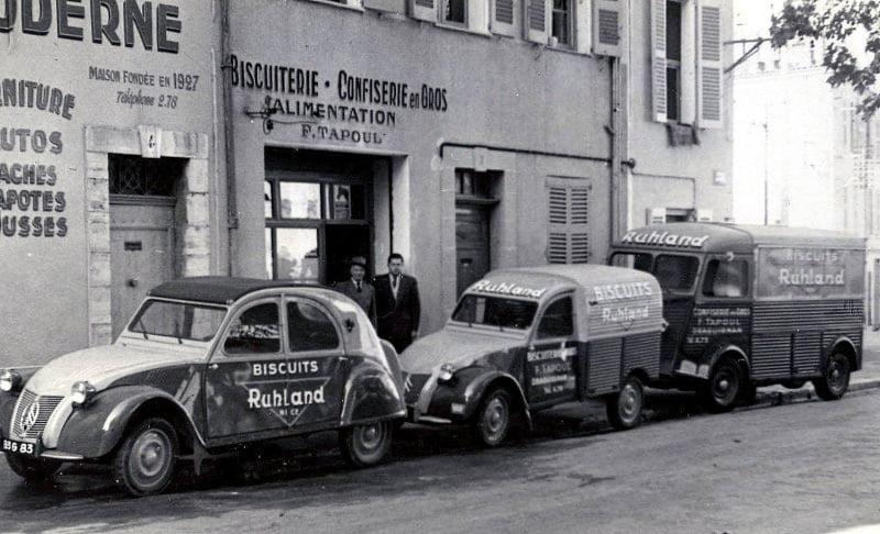 Des photos d'époque de Concessions Mercedes-Benz partie 1 - Page 15 P9110