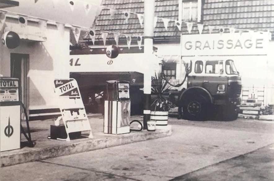 Des photos d'époque de Concessions Mercedes-Benz partie 1 - Page 15 P9510