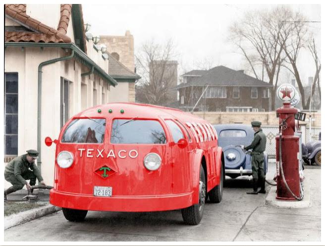 Des photos d'époque de Concessions Mercedes-Benz partie 1 - Page 26 Texa10