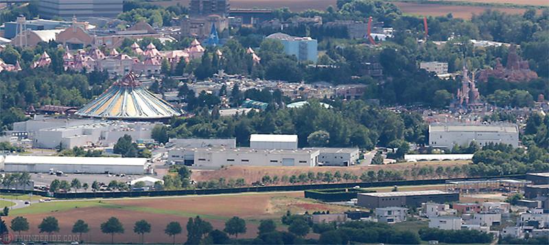 Déboisement du merlon au Nord du Parc Disneyland 1r9a9110