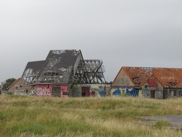 PIROU PLAGE le village fantôme dans la manche Img_0050