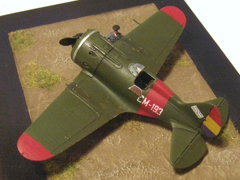 Montage: Polikarpov I-16 type 10 1/72 - Page 2 Polika12