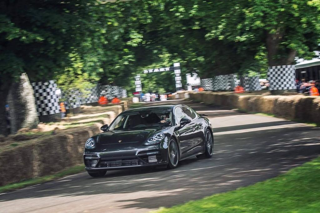 Nouvelle Porsche Panamera 2016 13495410