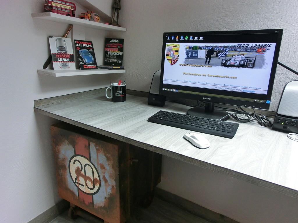 J'ai refait mon bureau... - Page 2 Cimg4510