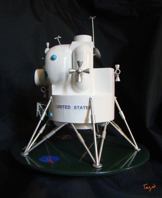 Lunar Excursion Module – Grumman – 1962 – 1/48éme par Tezio Dsc09513