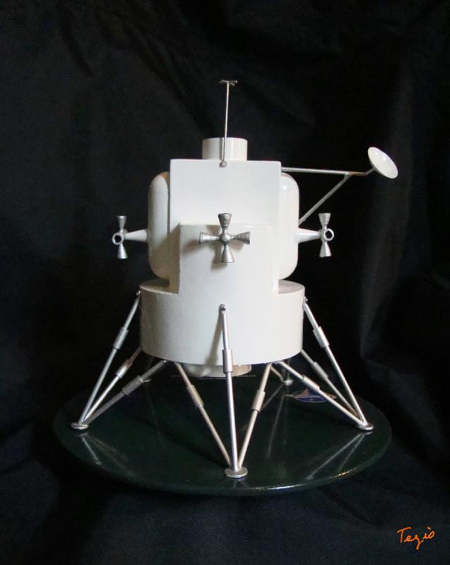 Lunar Excursion Module – Grumman – 1962 – 1/48éme par Tezio Dsc09516