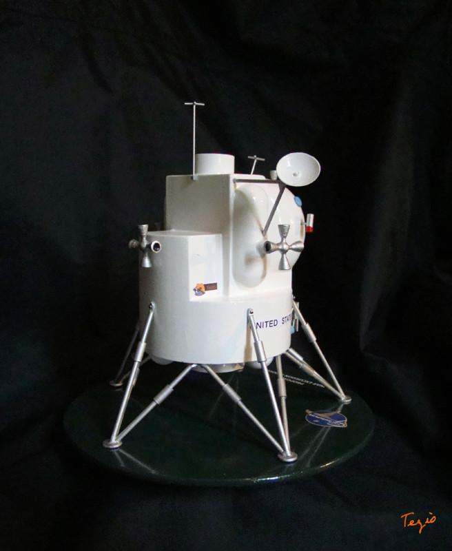 Lunar Excursion Module – Grumman – 1962 – 1/48éme par Tezio Dsc09517
