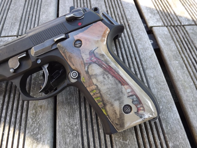 "Grips M9 ""Tomb Raider 2013"" Dscf4614"