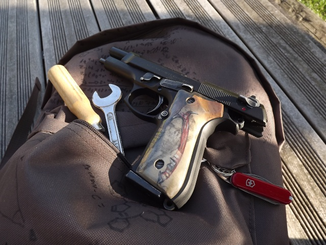 "Grips M9 ""Tomb Raider 2013"" Dscf4615"