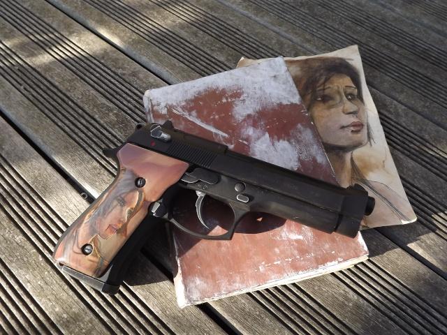 "Grips M9 ""Tomb Raider 2013"" Dscf4616"