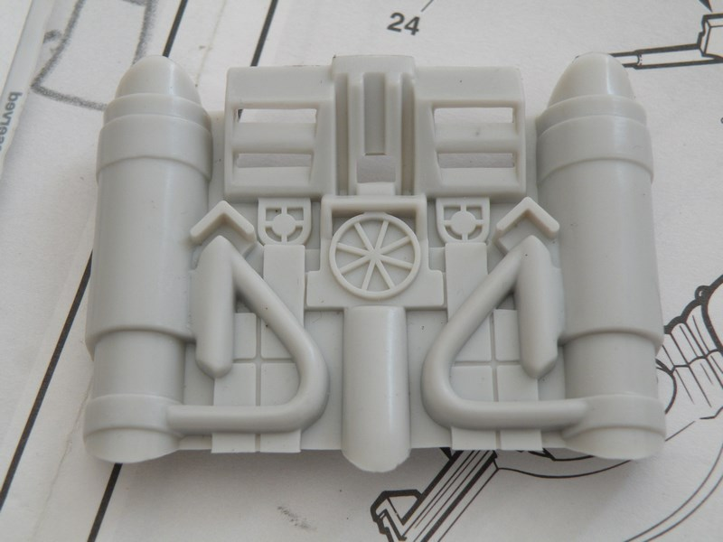 épave de char de la fédération du commerce !! kit AMT Dscn0033