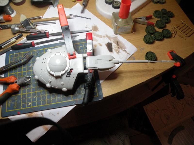 épave de char de la fédération du commerce !! kit AMT Dscn9855